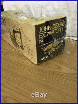 1/16 John Deere Excavator