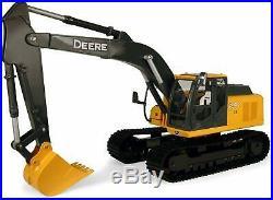 ERTL 116 John Deere 200D LC Excavator