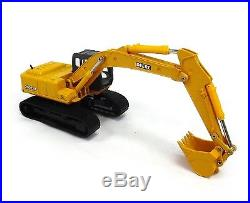 ERTL 150 JOHN DEERE Model 200C LC Excavator NIB