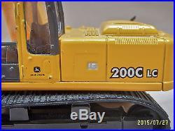 ERTL DIECAST DEERE 200C LC EXCAVATOR 150