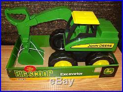ERTL JOHN DEERE 15 BIG SCOOP EXCAVATOR TOY FOR SANDBOX LARGE FARM TOY NEATO