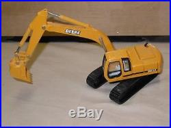 ERTL John Deere 200LC 1/50th scale Crane Excavator Diecast Toy Replica 1767F VGC