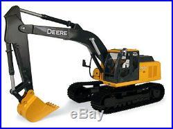 Ertl 35802A 116 John Deere Big Farm Series 200DLC Excavator with Lights & Sounds