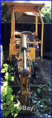 John Deere 15, Mini Hydraulic Excavator with Yanmar Diesel Engine. 1,959 HRS