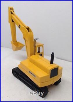 John Deere Model 690 Excavator Construction Tractor DieCast by ERTL 1/25 Nice