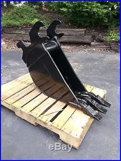 New 10 John Deere 27 ZTS / 35 ZTS Excavator Bucket