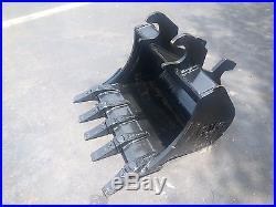 New 24 John Deere 27 ZTS / 35 ZTS Excavator Bucket