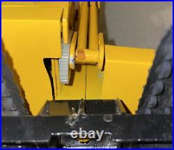 Vtg Ertl Yellow John Deere Diecast Metal Track Excavator Tractor Claw Bucket